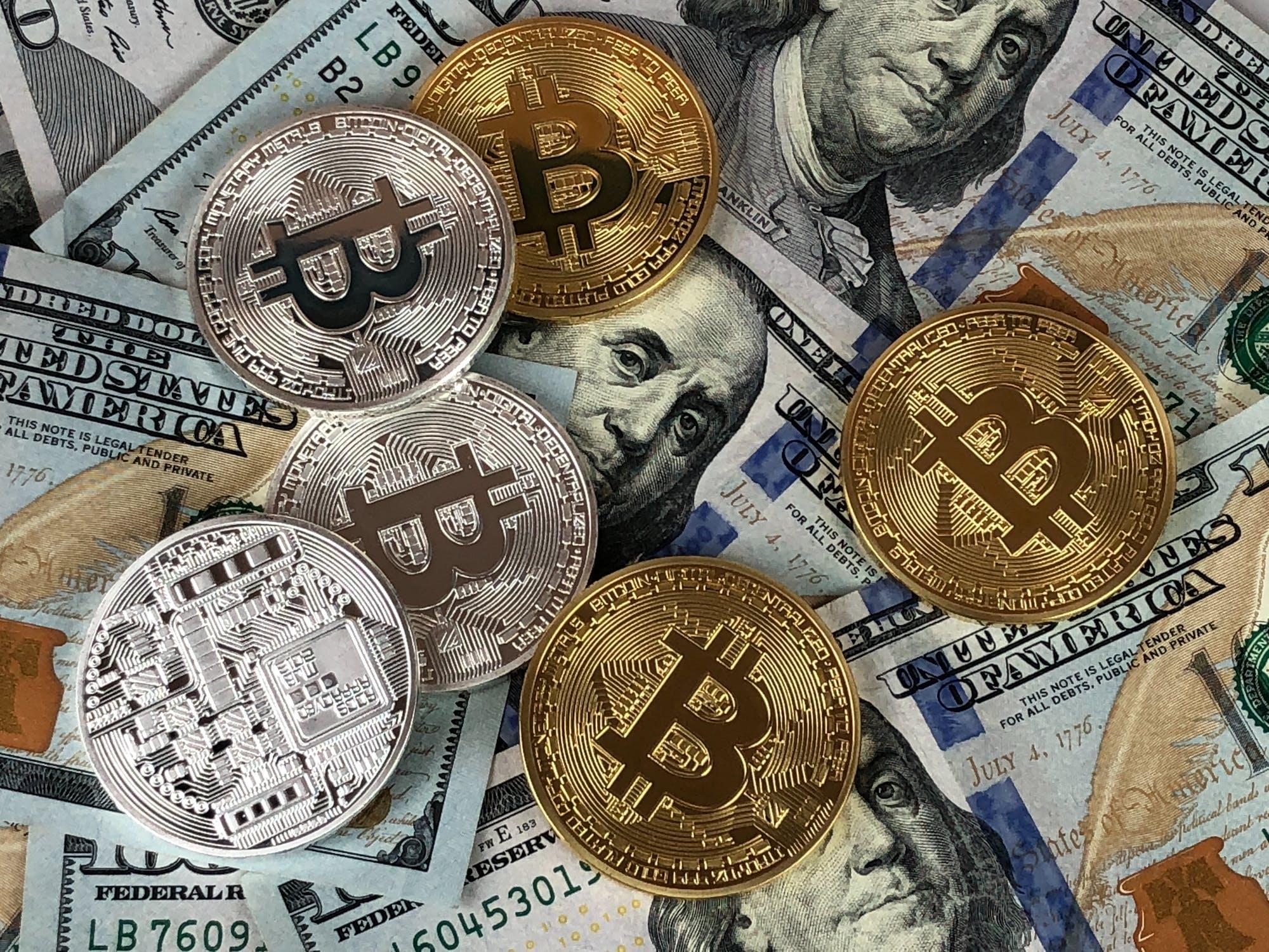 Bitcoin crashes to zero
